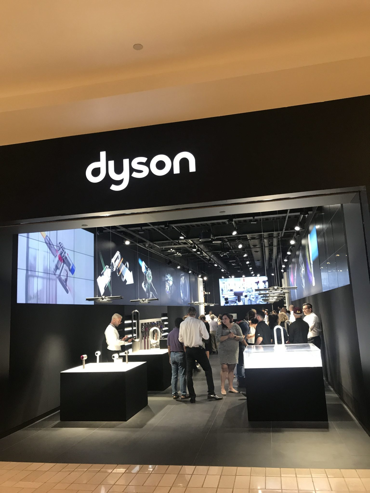 I Have Been A Dyson Fan Pun Intended Since First Used Their Am06 10 Inch Desk Remember Seeing It At Carl S Apartment When We Started